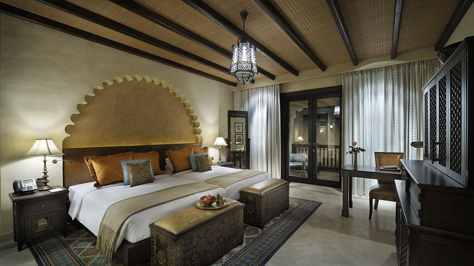 anantara-twin-bed-deluxe-room