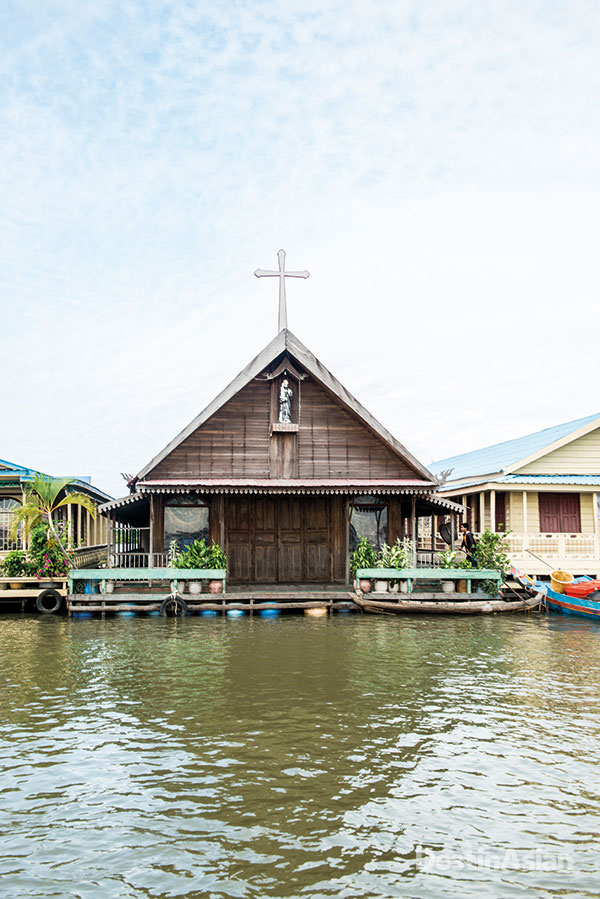 The floating church in Chnok Tru.