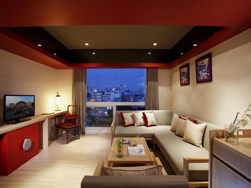 The living room in the Centra suite.