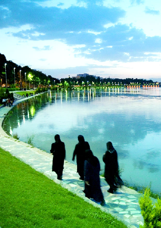 On the banks of Esfahan's Zayandeh River.