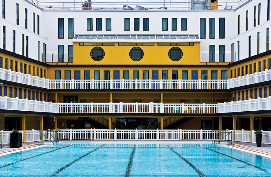 The central pool at the Molitor.