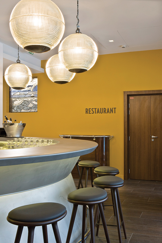 The bar at the Yannick Aleno-run Le Restaurant.