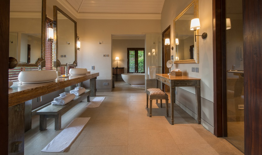 Forty villas and suites were designed by renowned Thai architect Lek Bunnag.