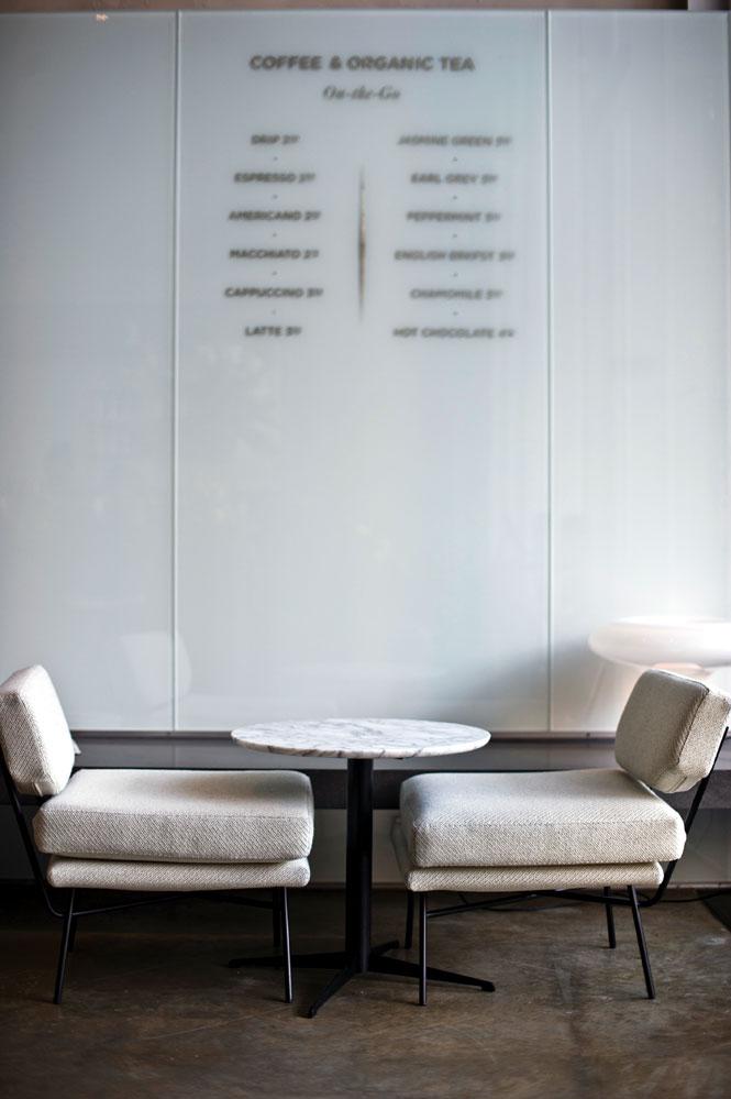 Hôtel Americano's café.