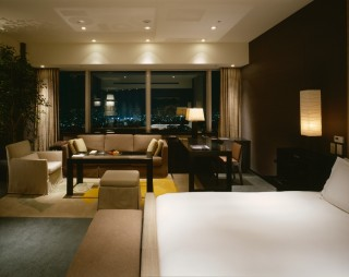 The hotel's Diplomat Suite.