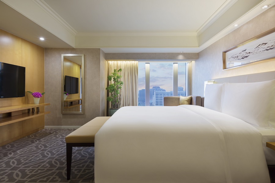 The single-bedroom suites house king-sized beds and walk-in closets.
