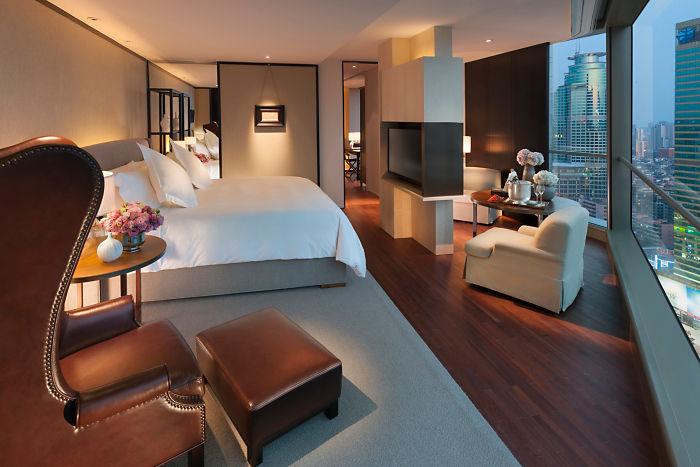 A suite at Mandarin Oriental Guangzhou.