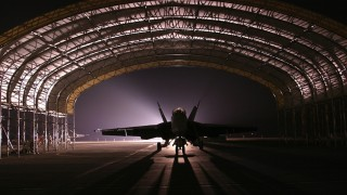 hangar-81779_960_720
