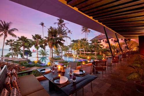 The beachfront Full Moon restaurant now specializes in chargrilled dishes.