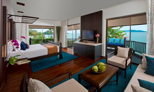 The Royal Sea View suites provide guests sweeping views of the dazzling Gulf of Thailand.
