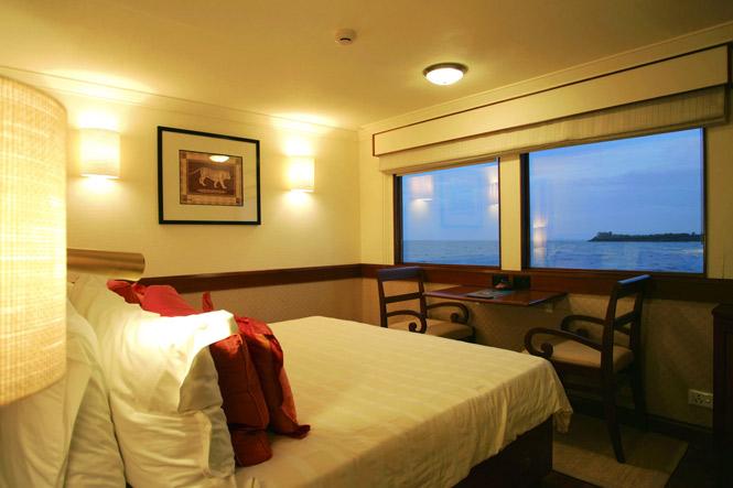 A suite aboard the Oberoi Vrinda.