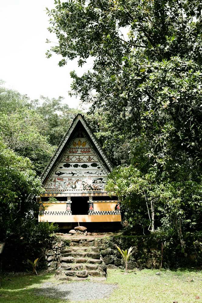 A bai, or men's house.