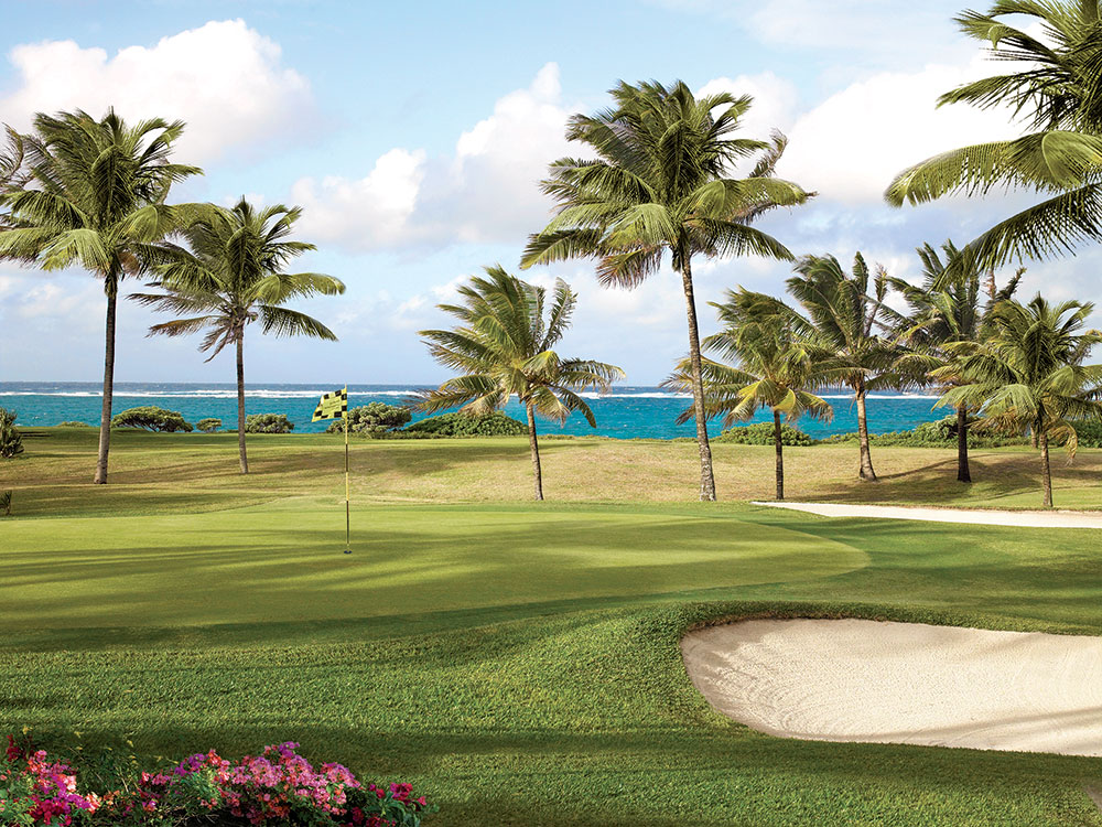 Guests at the resort enjoy complimentary green fees on the nine-hole, par 33 course.