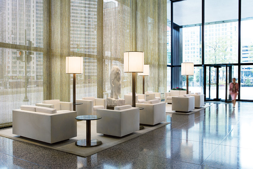 The Langham, Chicago is within walking distance to the city's Grant Park and the Magnificent Mile.