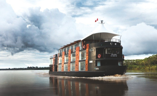 Luxury riverboat on the Amazon: the Aria