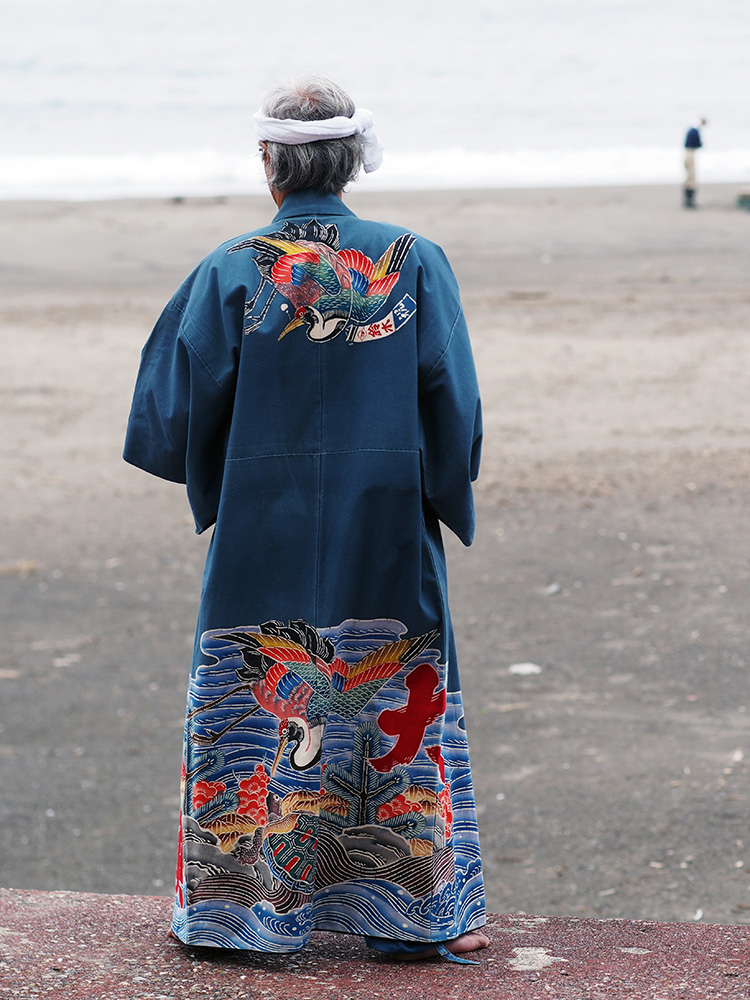 A maiwai-style kimono by Maiwai Suzusen.