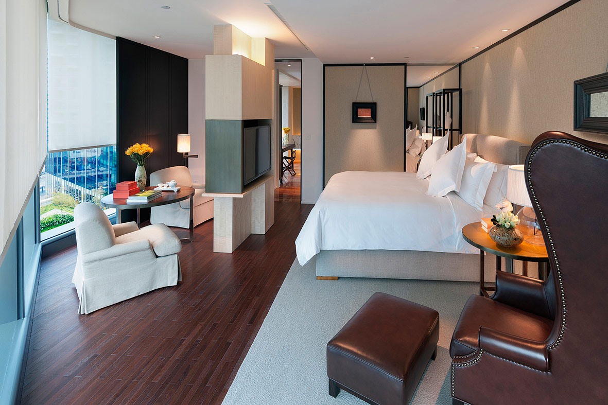 The guest rooms at the Mandarin Oriental Guangzhou start at 60 square meters.