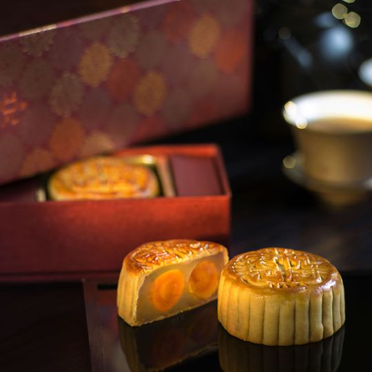 Grand Hyatt's white lotus seed paste and egg yolk mooncakes