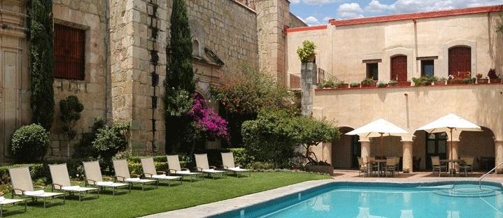 Quinta Real Oaxaca's courtyard pool.