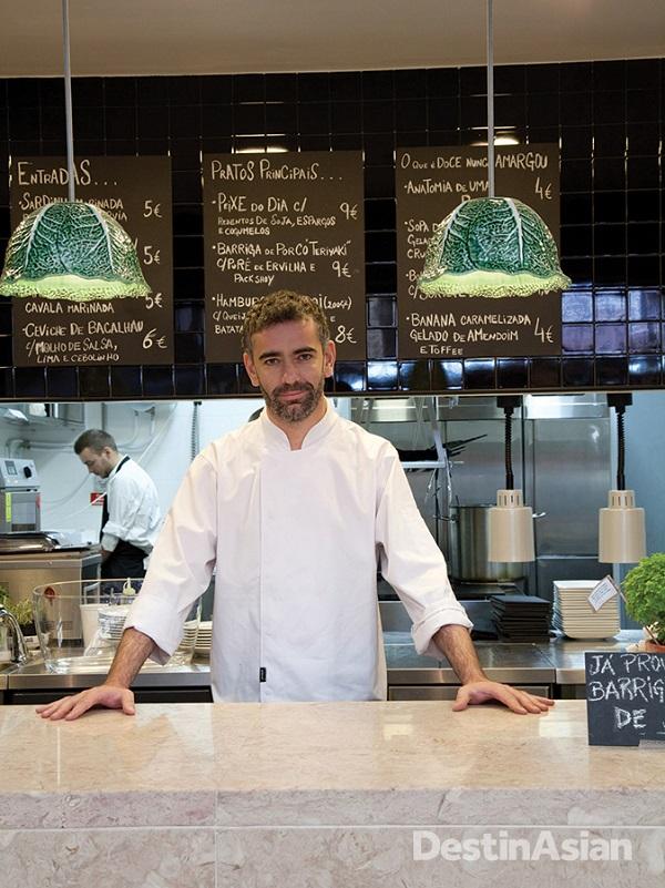 Chef Alexandre Silva at his stall in the Mercado da Ribeira.