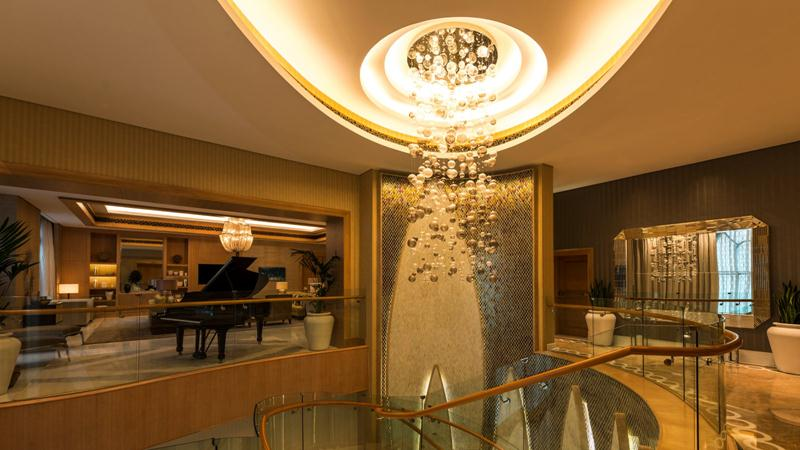 The Royal Suite living room with Steinway piano.