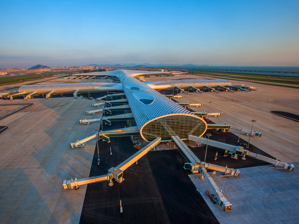 Terminal Three is meant to resemble a manta ray.
