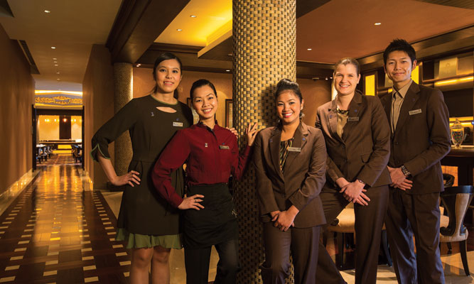 The Sheraton Macao currently employs a team of 1,600 people, a number that is set to grow with the opening of the Earth Tower. Between them, the multicultural staff speak 19 languages.