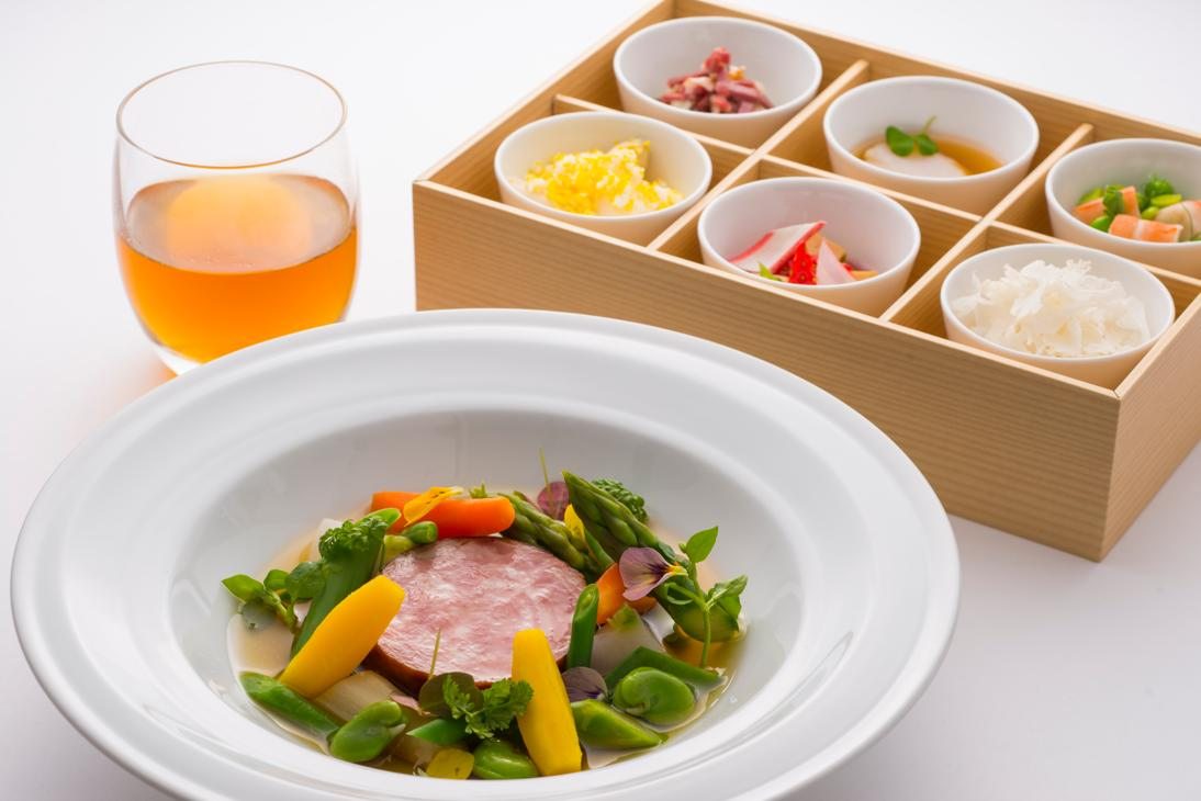Shinichi Sato has created Japan Airlines' new spring menu for First and Business class.
