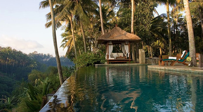 Five great jungle fringed pools at resorts in ubud bali for Bali accommodation 5 star