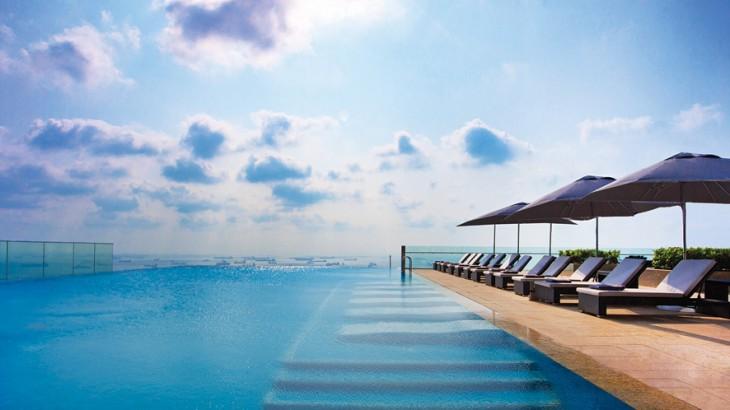 Westin Singapore's Infinity Pool